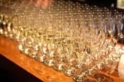 Aika monta lasia kuohuviiniä