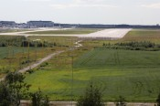 Lemminkäisen kallioilta näkee hyvin Helsinki-Vantaan kentälle. Koneet laskeutuvat länsi- ja etelätuulilla aivan kallioiden päältä.