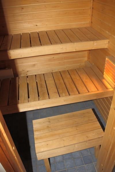 Suomalainen sauna, tyhjät lauteet